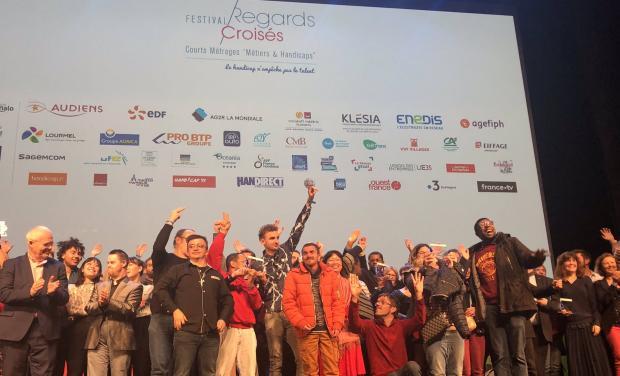 photo des laureats sur scene